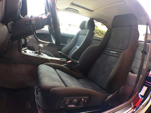 BMW(ビーエムダブリュウ)3シリーズにレカロシート装着。